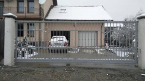 atelier46-poarta-autoportanta-grunduita