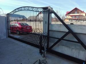 atelier46-poarta-fier-forjat-deschidere-sistem-autoportant