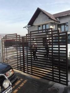 poarta-moderna-teava-rectangulara-atelier46