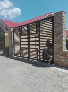 poarta-moerna-teava-rectangulara-atelier46