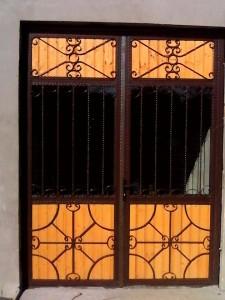 usa-metalica-cu-fier-forjat-sticla-lemn-atelier46